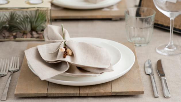 Place mat setting